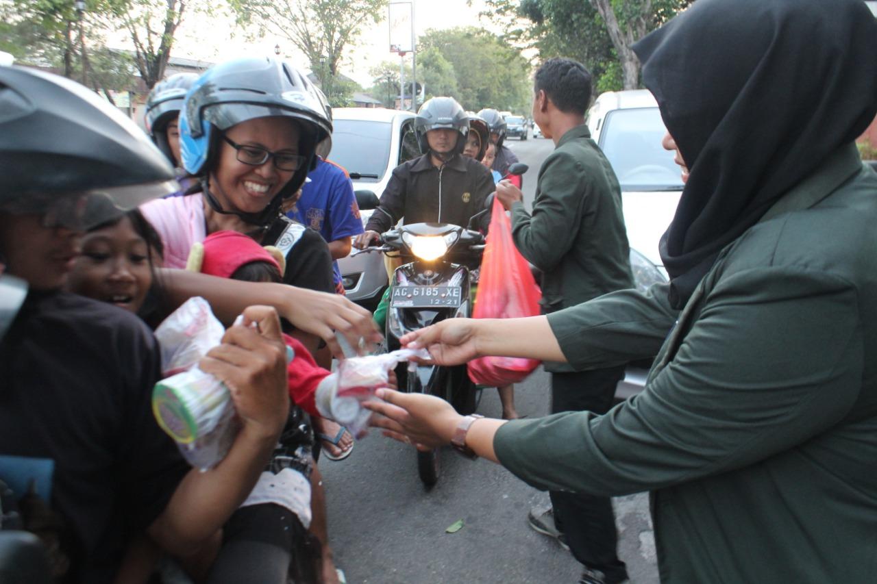 Ramadhan Bulan Berbagi Dan Produktif Bagi Mahasiswa