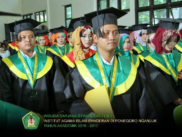 Wisuda IAI Pangeran Diponegoro Nganjuk Tahun Akademik 2016-2017