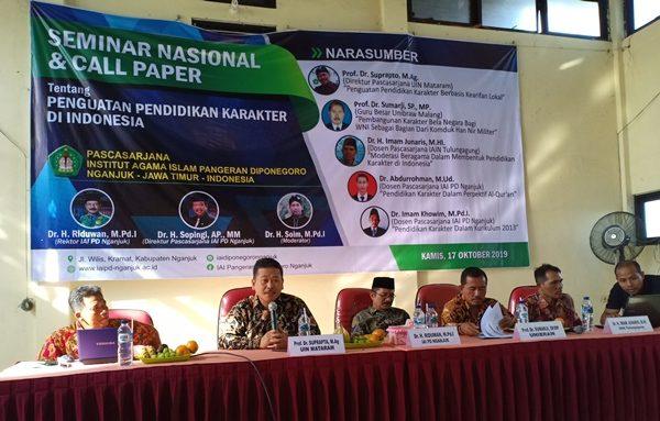 Perkuat Karakter Mahasiswa Melalui Seminar Nasional