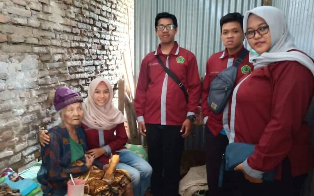 Peduli Sosial, Mahasiswa IAI Pangeran Diponegoro Nganjuk Santuni Fakir Miskin dan Yatim Piatu